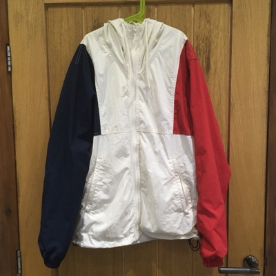 Hooded Arms Shell Top White / Navy / Red