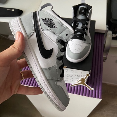 air jordan 1 mid light smoke