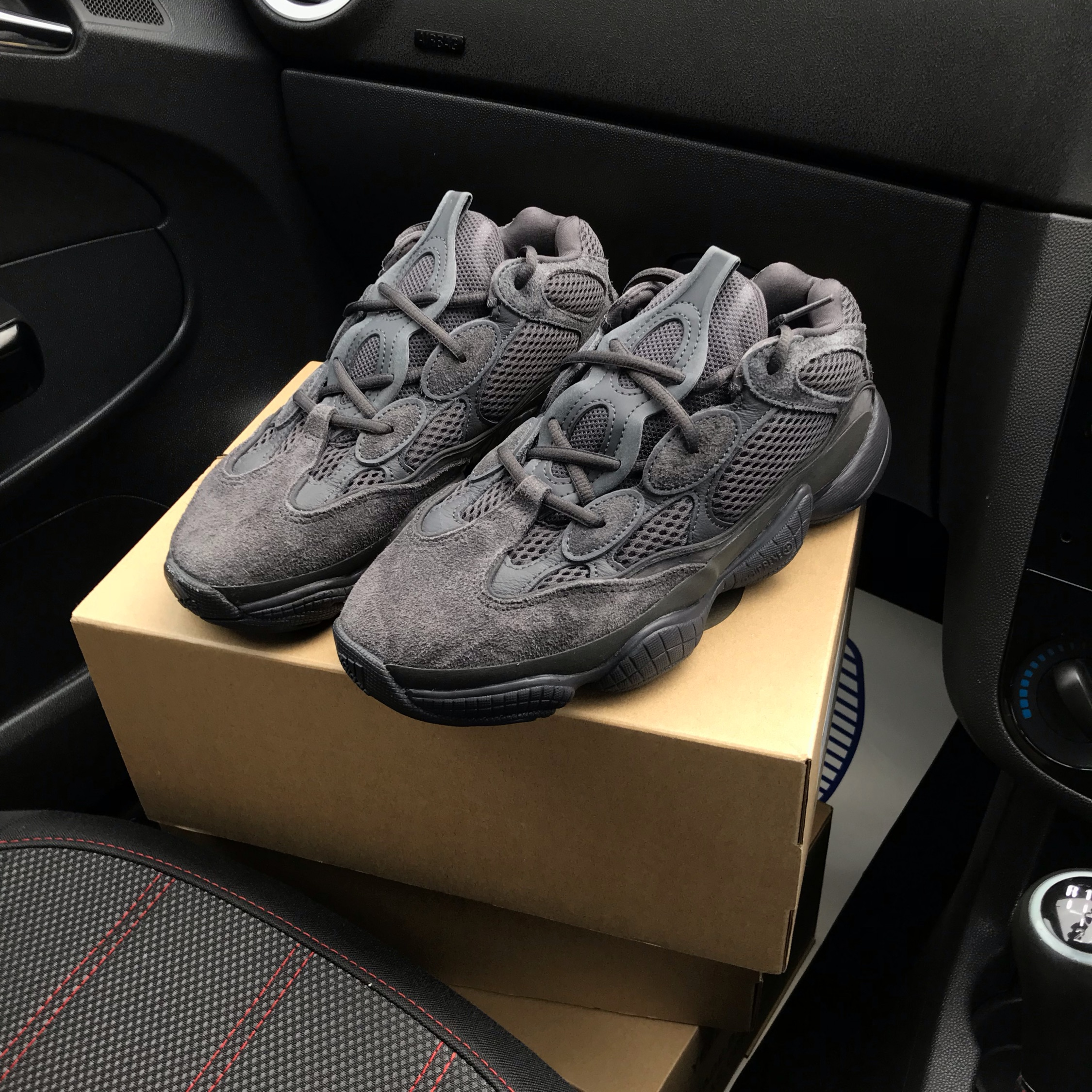 buy cheap 863f2 cd2c5 Adidas Yeezy 500 Utility Black Uk8 In Hand