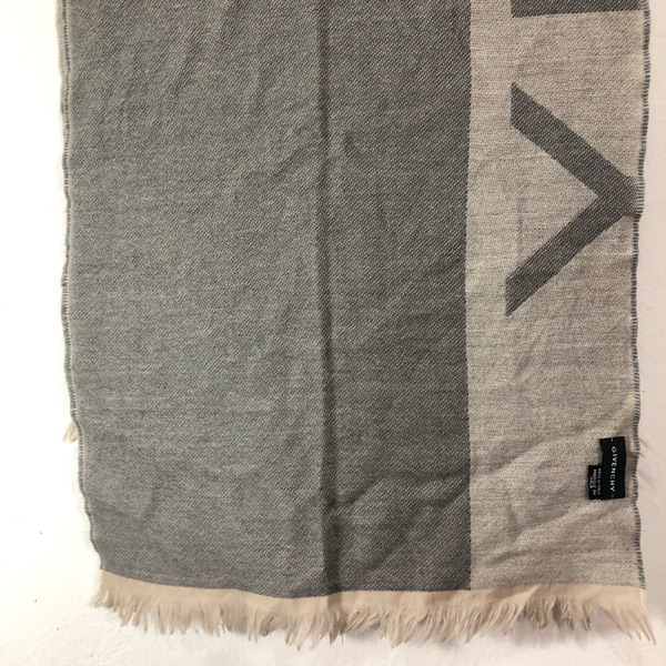 Givenchy Scarf Muffler Made In Italy