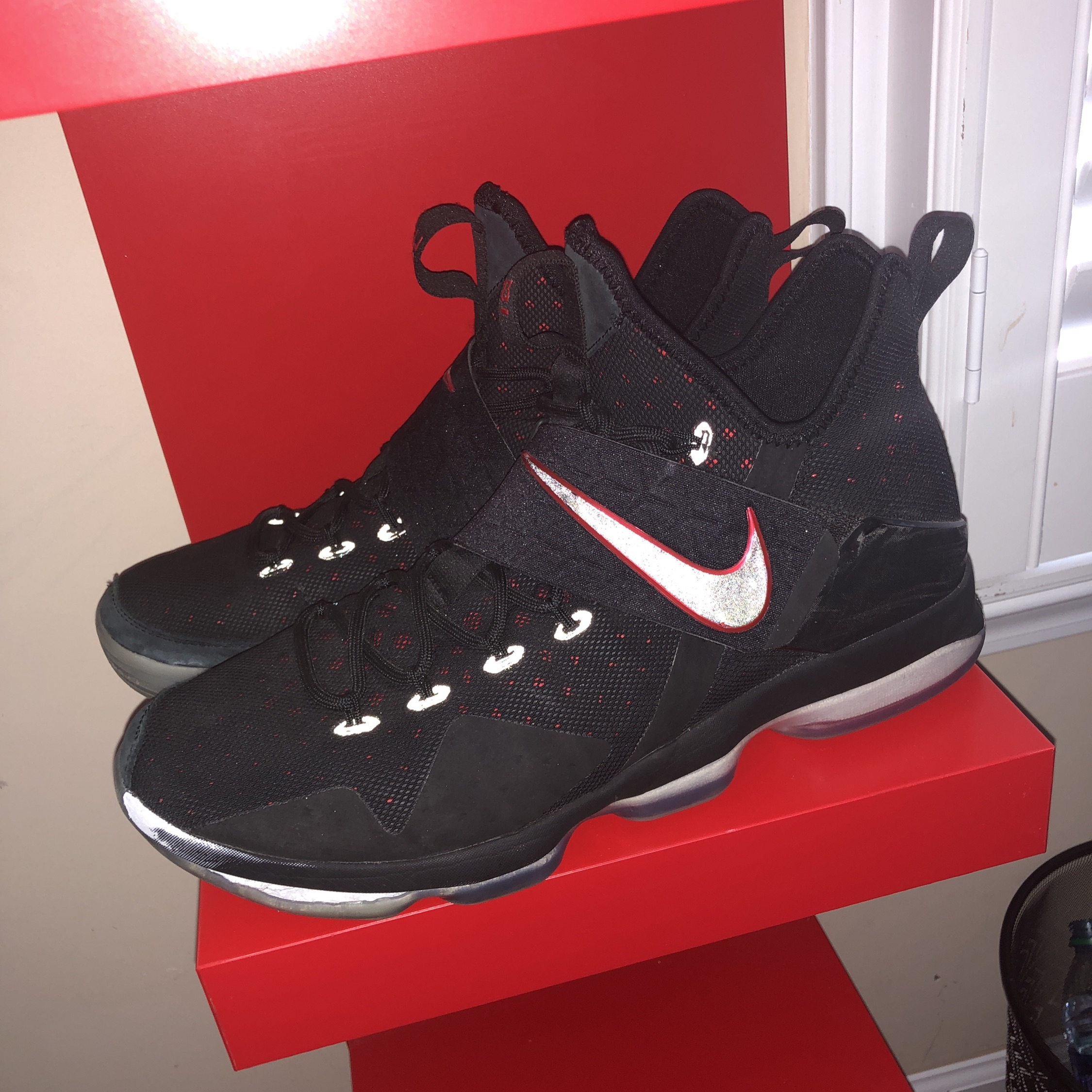 Lebron 14S 'Bred' Great Condition