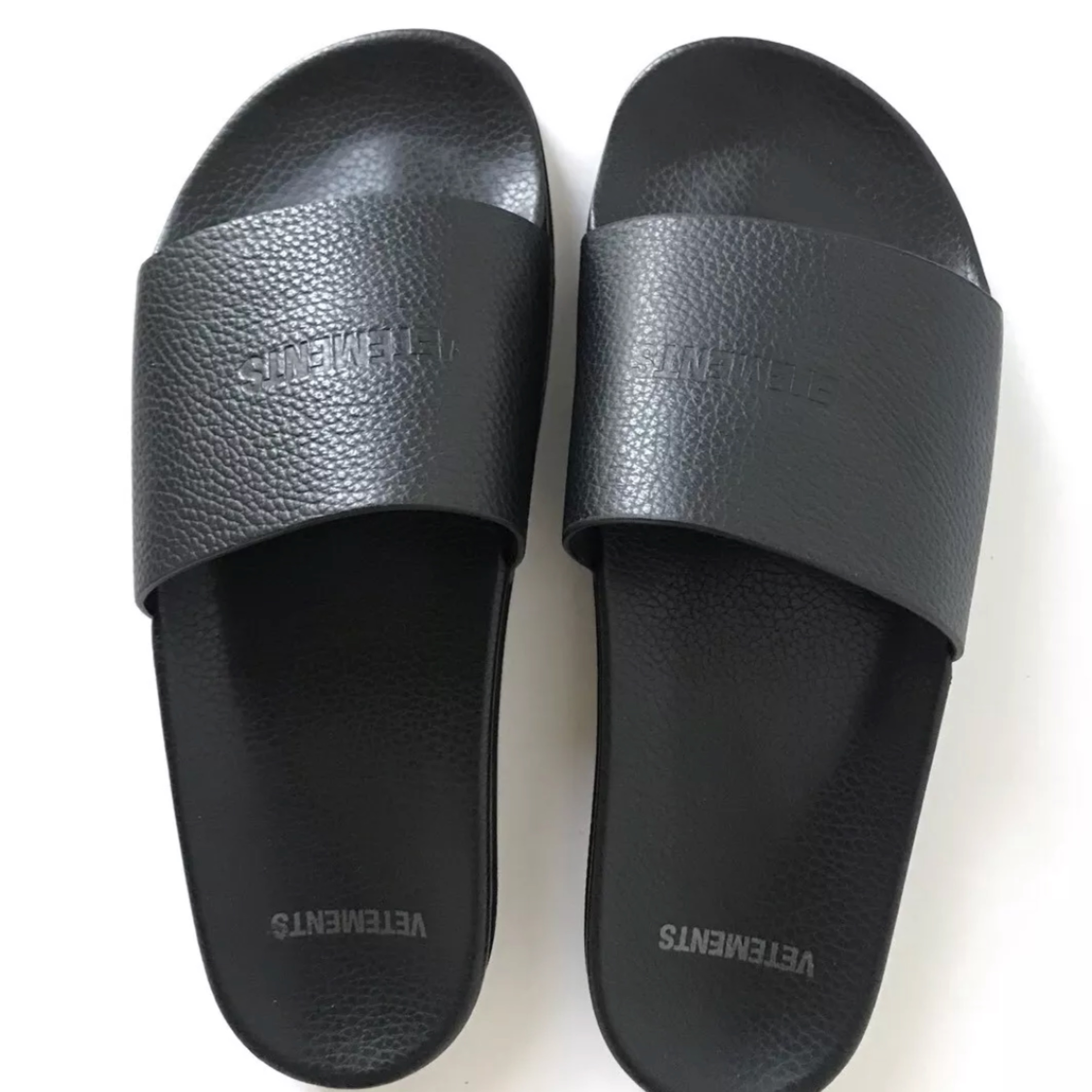 Vetements Logo Embossed Leather Slides New Uk9
