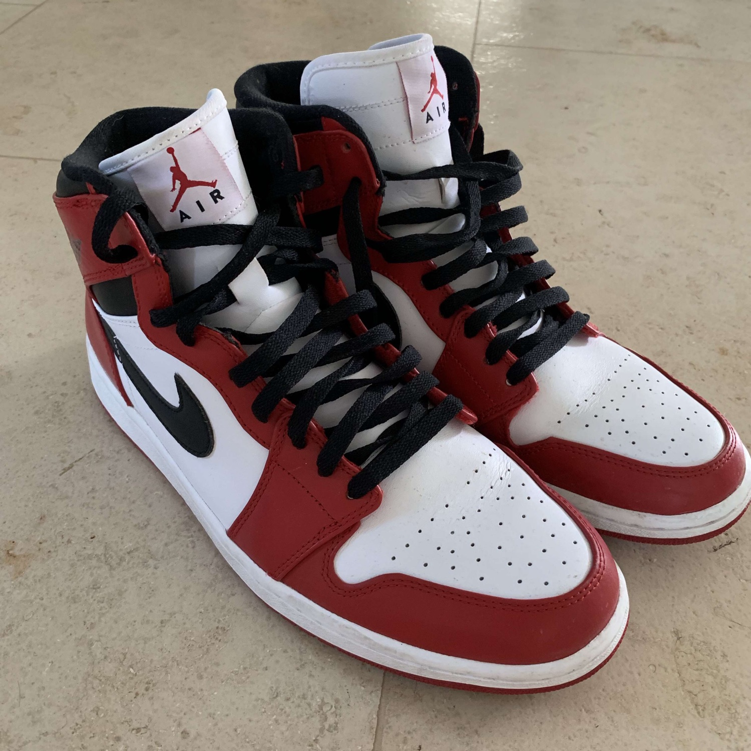 separation shoes f1d3b 4e132 Air Jordan 1 Chicago 2013