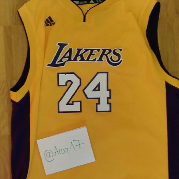 low priced d6f44 a7d79 Vintage Kobe Bryant Lakers Jersey