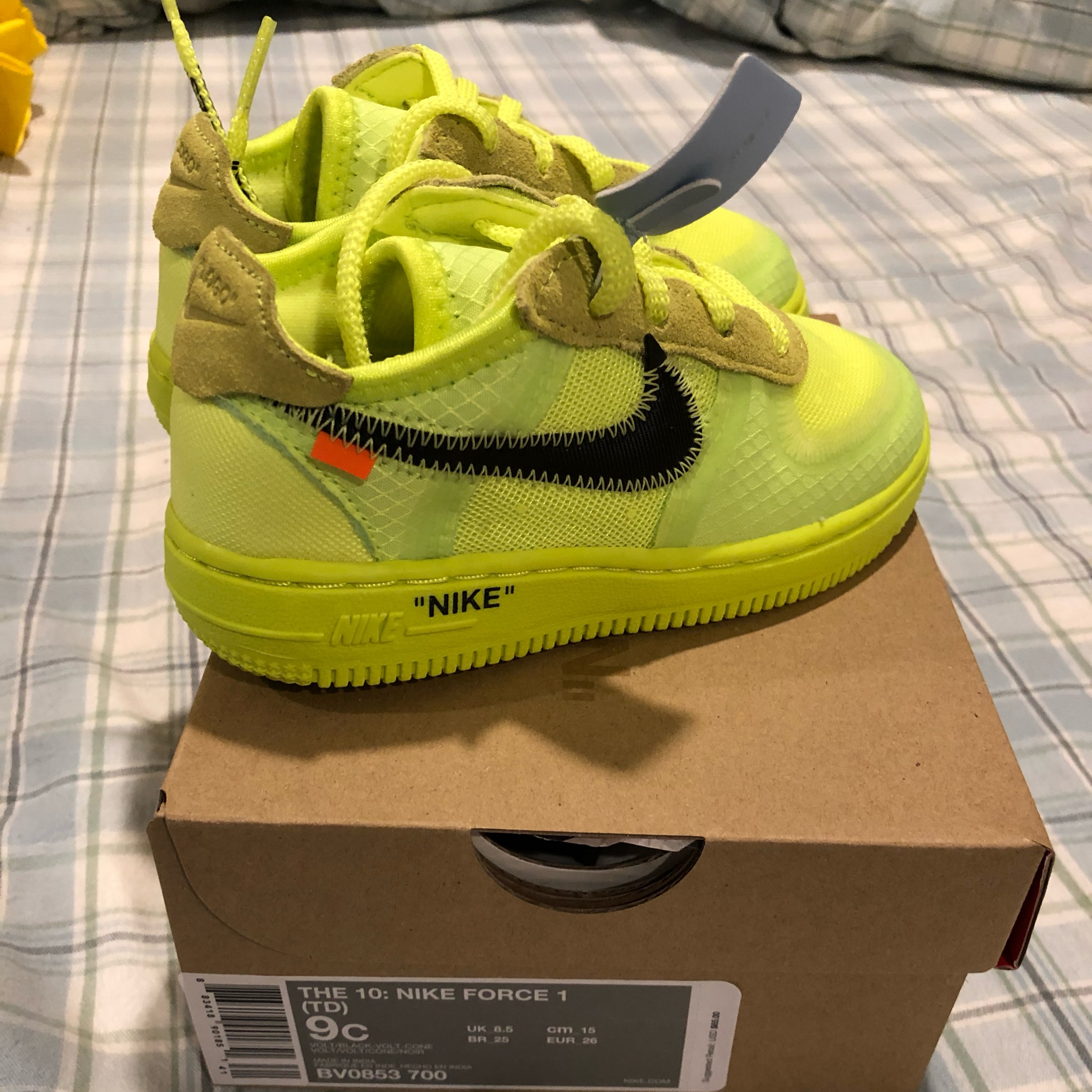 Nike Air Force 1 Low Off White Volt NWT