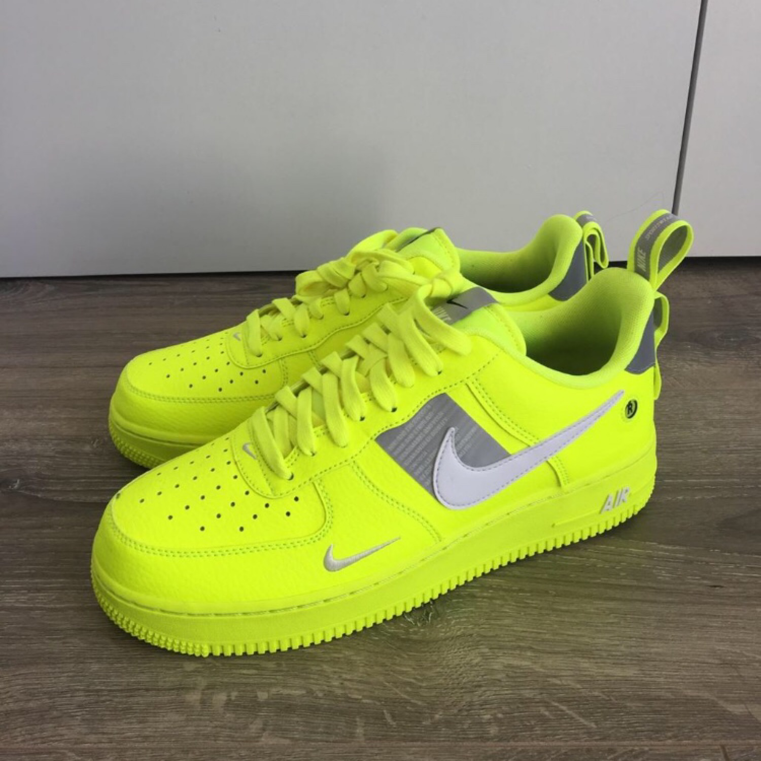 pretty nice on wholesale look for Nike Air Force Utility Volt