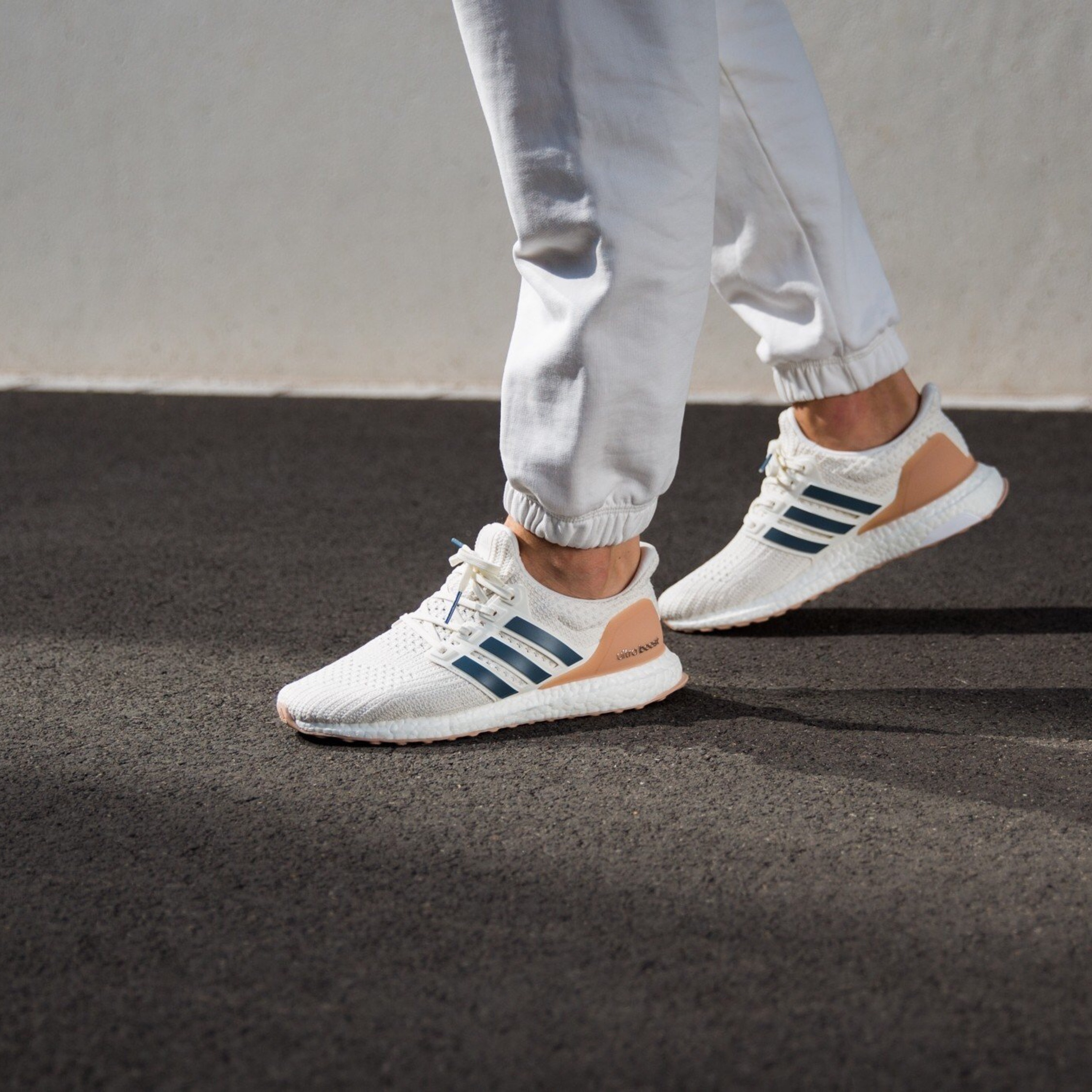 new collection sale retailer professional sale Adidas Ultraboost 4.0 Show Your Strips Cloud-White