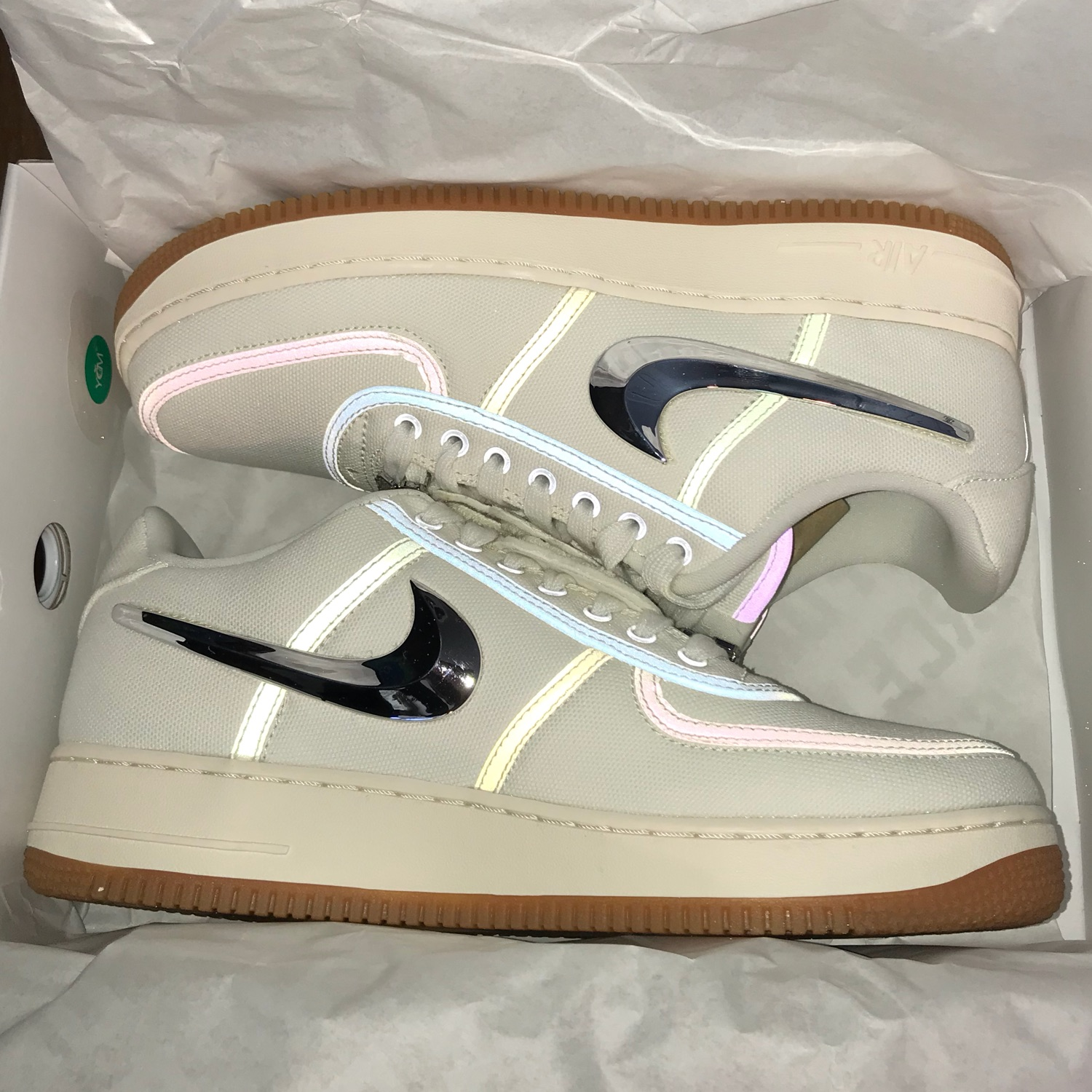 reputable site cost charm skate shoes Nike Air Force 1 Low X Travis Scott
