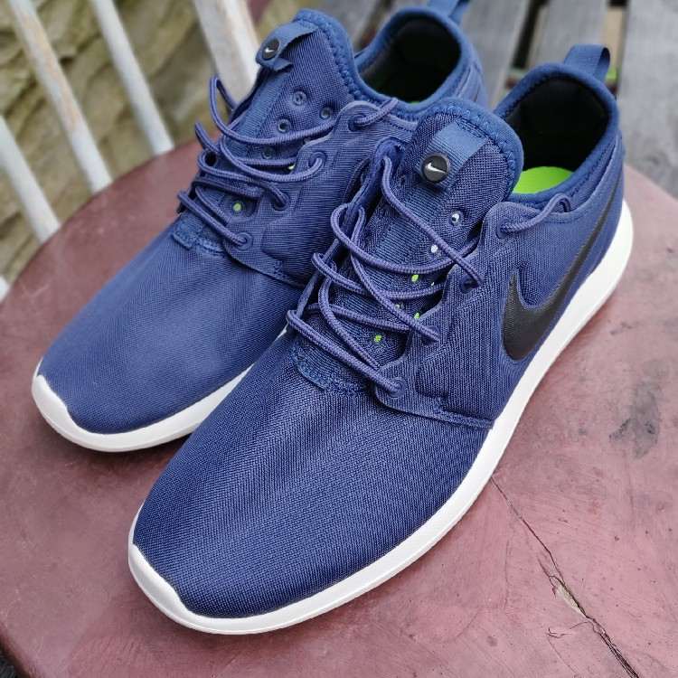 more photos fd806 8d794 Nike Roshe 2 UK Size 9 Brand New Navy Sneakers Brilliantly Comfortable