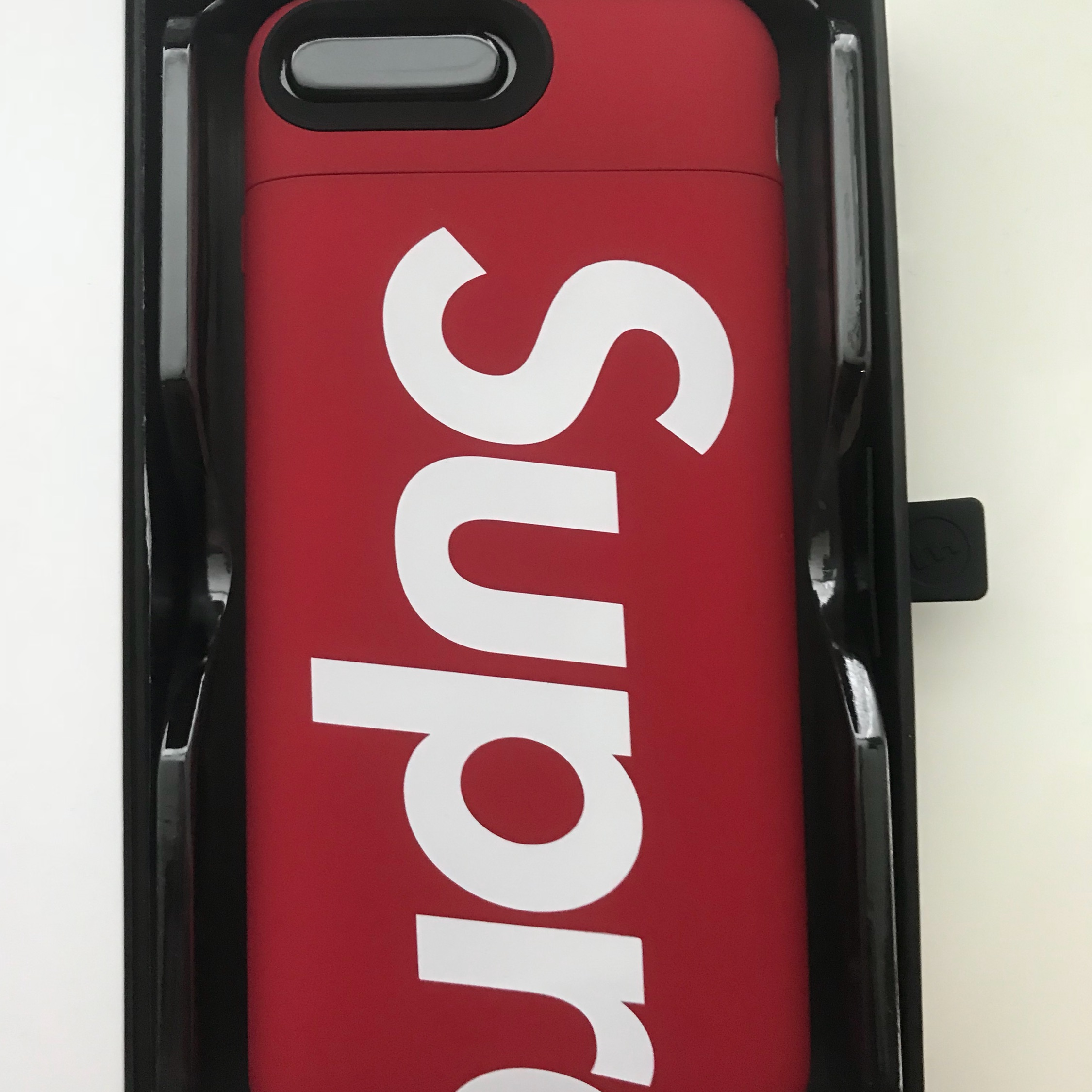 info for 89635 5c6dd Supreme / Mophie Iphone 8 Plus Red Charger Case