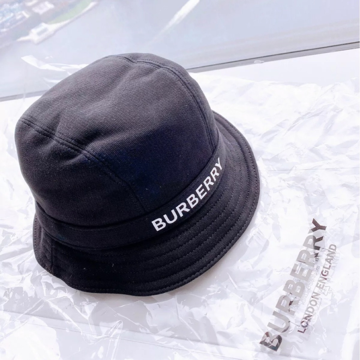Authentic ! 2020Brand New Burberry Bucket Hat Black Fish Hat/Size M Man Or Woman