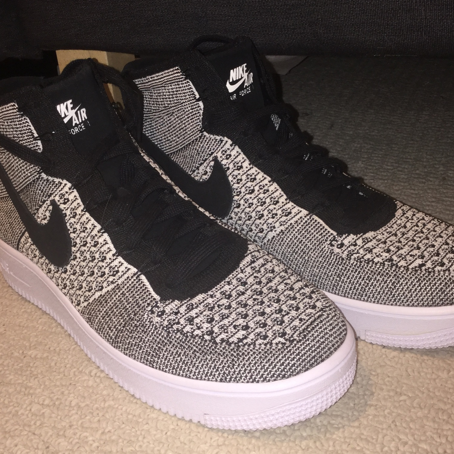 newest 42645 805cf Nike Air Force 1 Flyknit High (Size 10)
