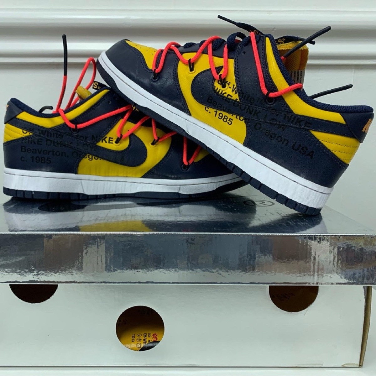 Nike Dunk Low Off-White University Michigan