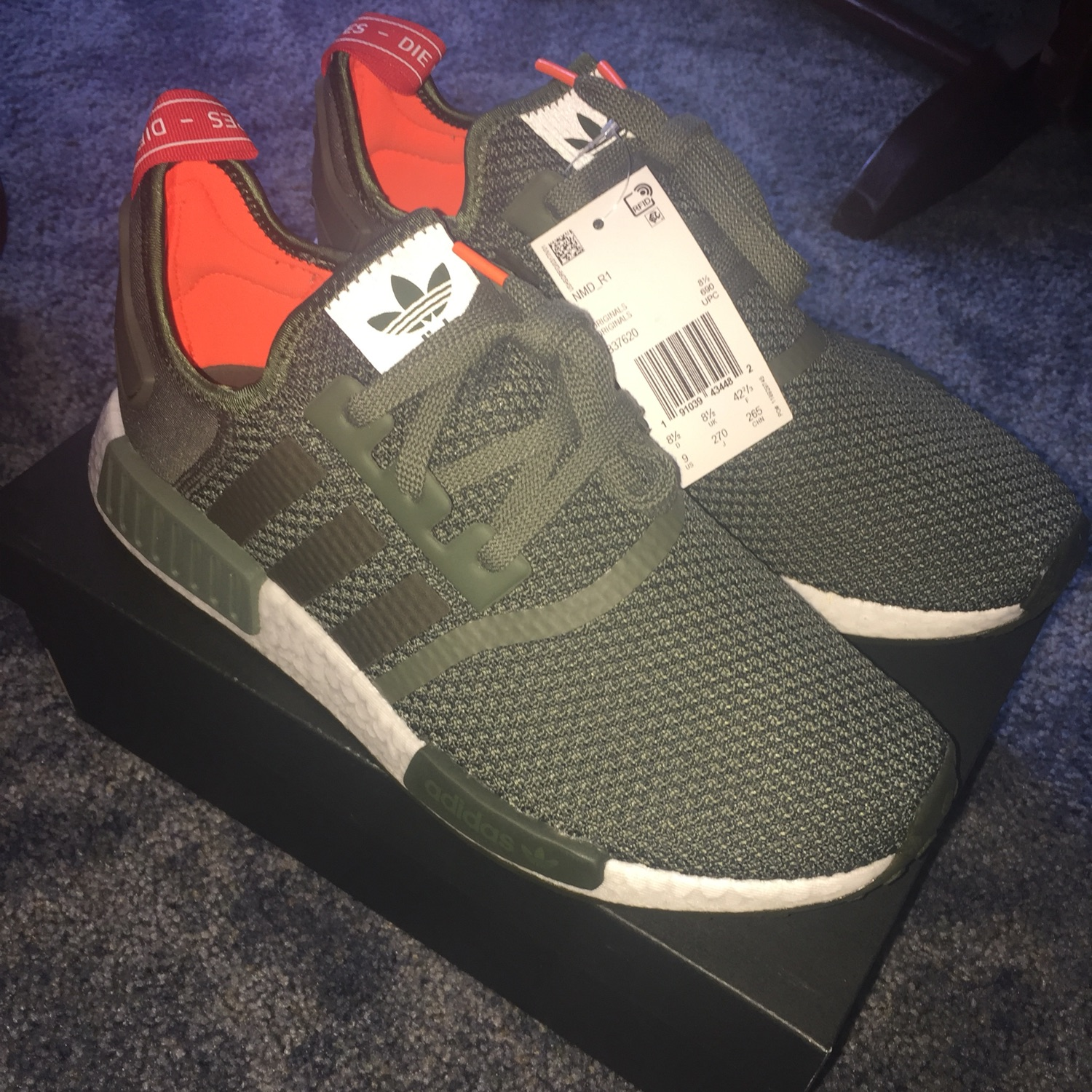 best service a001c 6ce80 Adidas Nmd R1 Shoes Base Green B37620