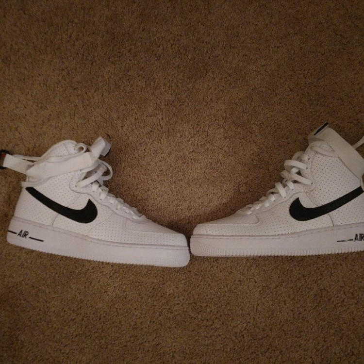 Air Force 1 Size 6.5y ($1 shipping)