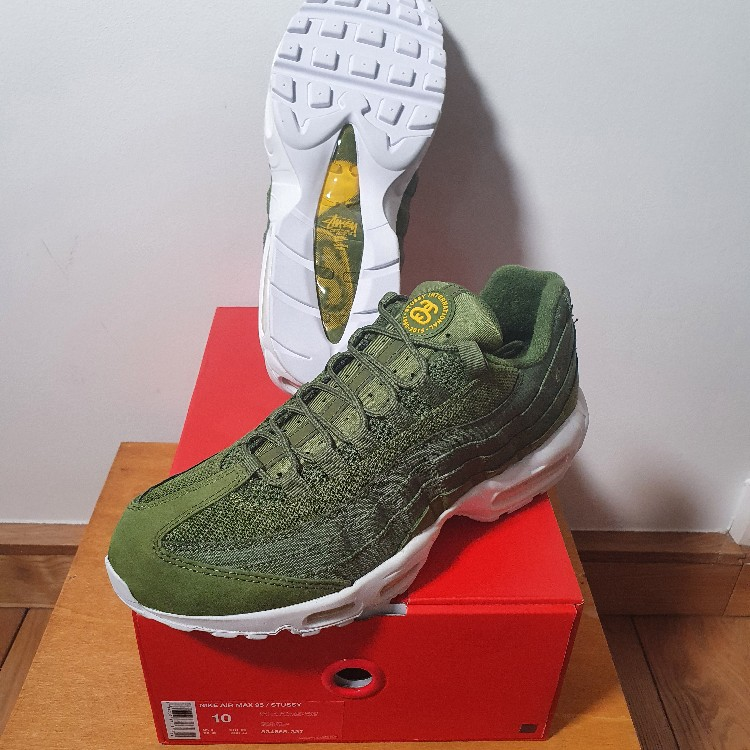 Transitorio pompa Roux  Nike air max 95 x stussy olive