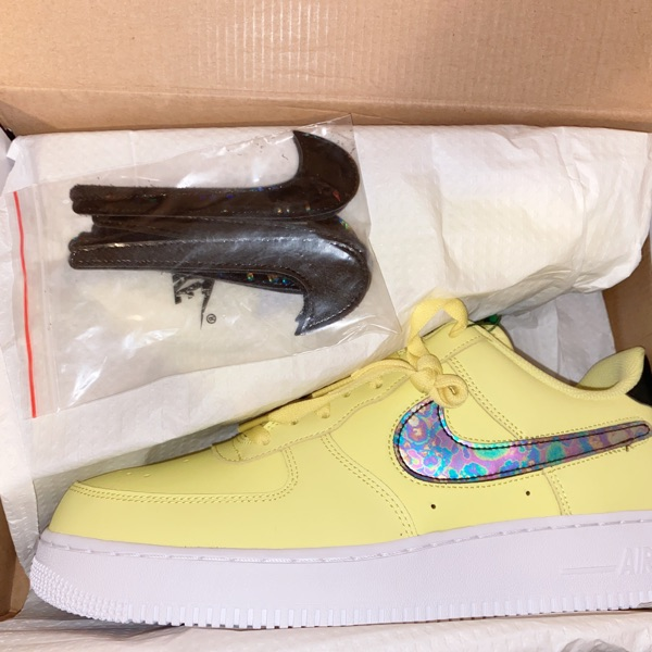 Air Force 1 Low Yellow Pulse