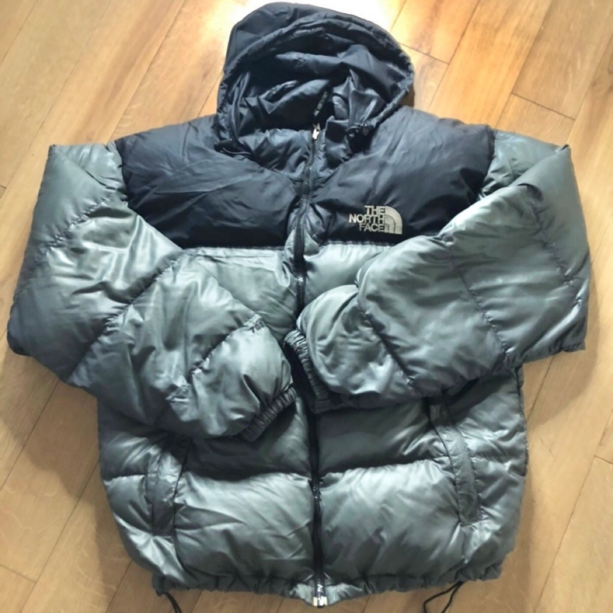 The North Face 700 Nuptse Puffer Jacket: Size L
