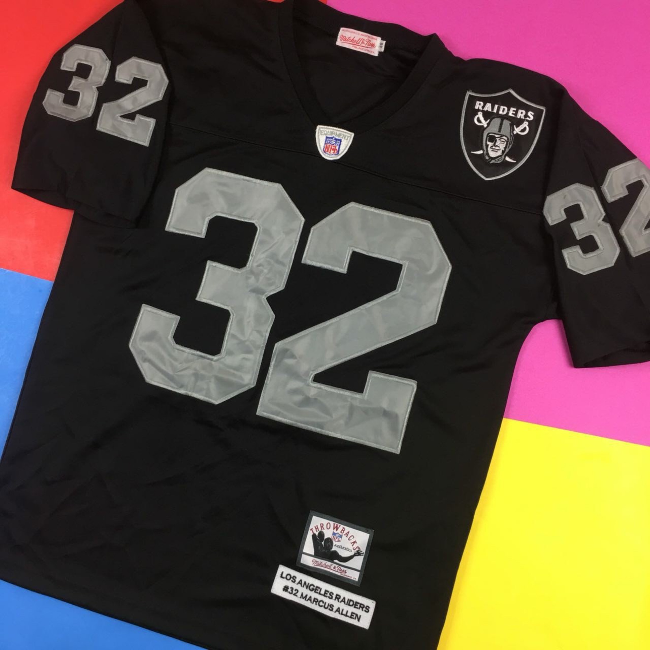 online store eefd3 480a9 Vintage 90S La Raiders Mitchell & Ness Jersey
