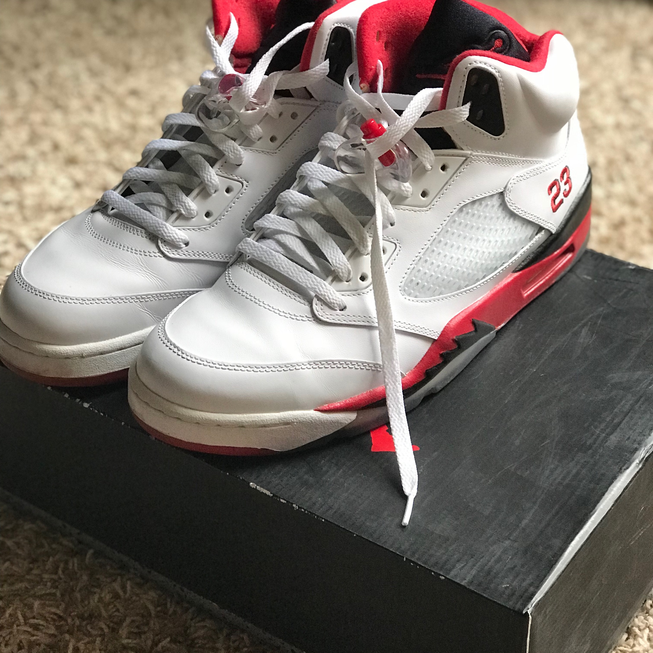the best attitude fd342 e063a Air Jordan 5 Fire Red Black Tongue