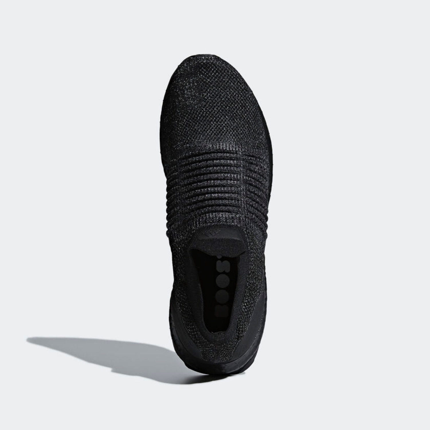 the latest 4e0f0 9bf5a Adidas Ultra Boost Laceless Mid Triple Black