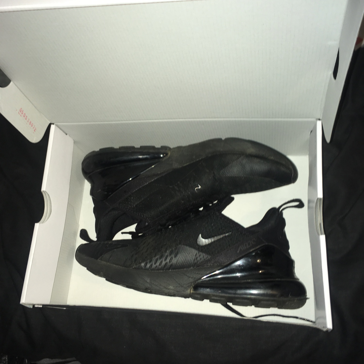 hot sale online 677e9 18172 Black Nike 270S