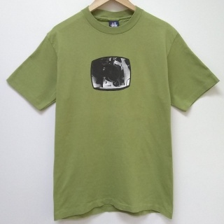 Vintage Rare 90's Stussy fisheye t-shirt in nice olive green colour.