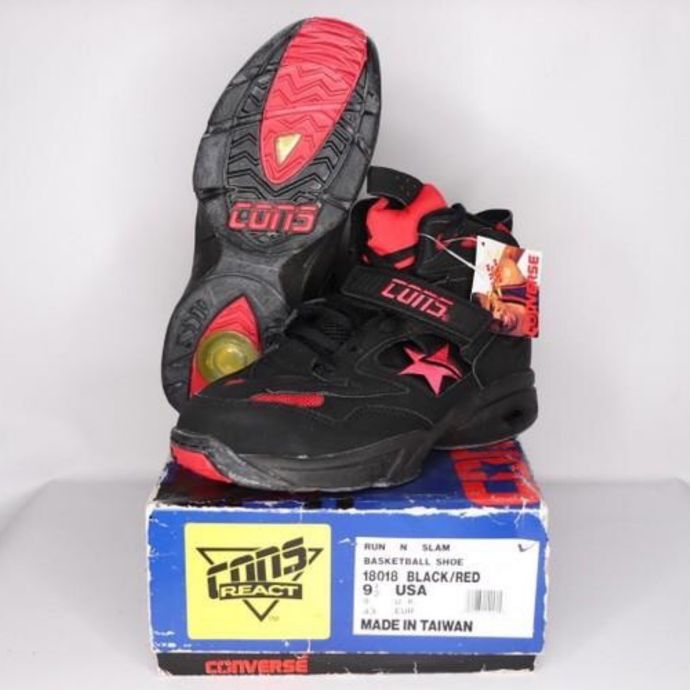 converse basketball shoes 90s Online