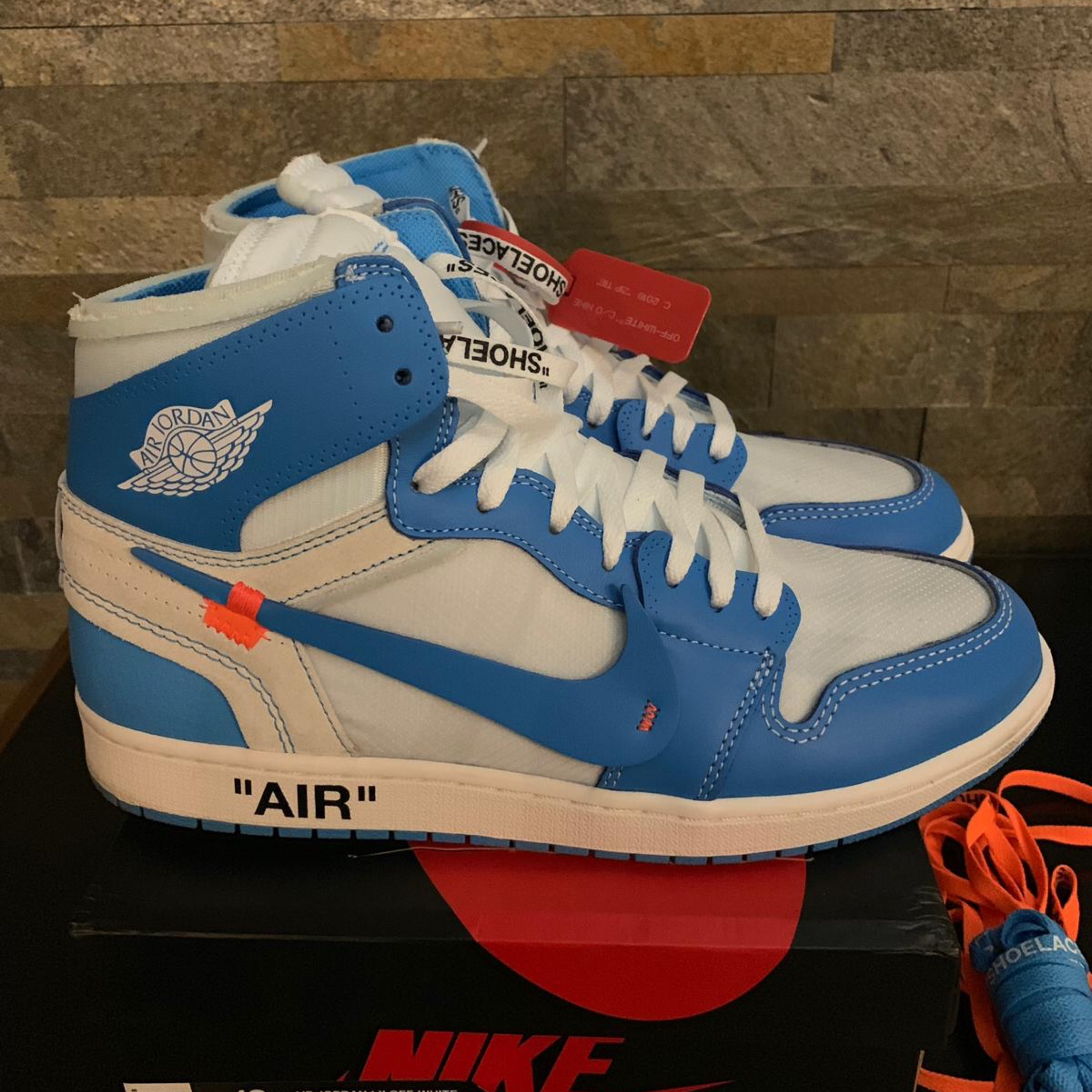 separation shoes ea779 31f7e Nike X Off White Jordan 1 Retro High Unc