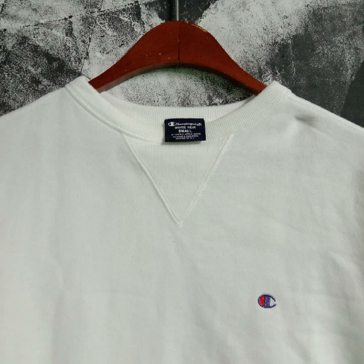 Champion Small Logo Embroidery Sweatshirt