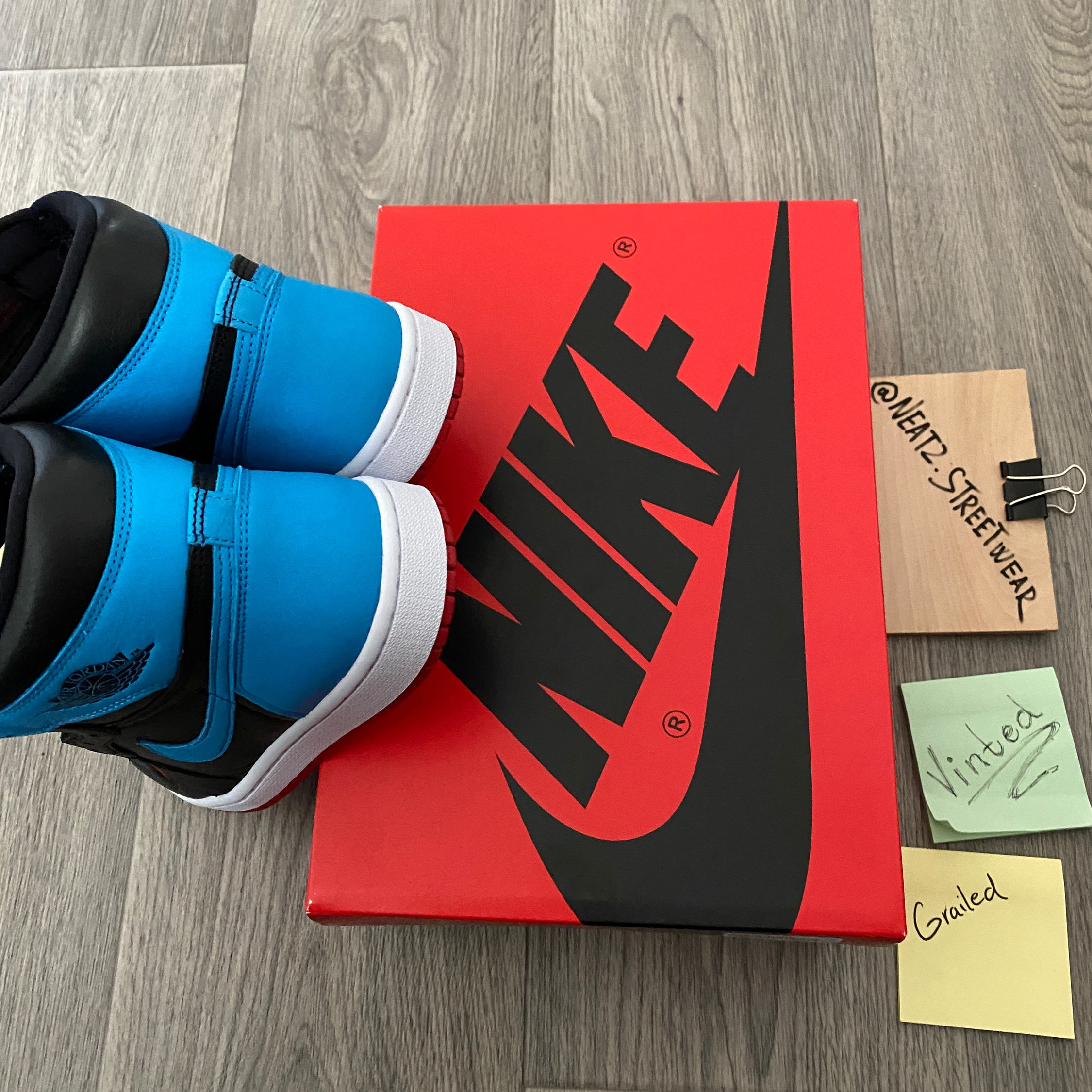 Nike Air Jordan 1 Retro High WMNS UNC to Chicago