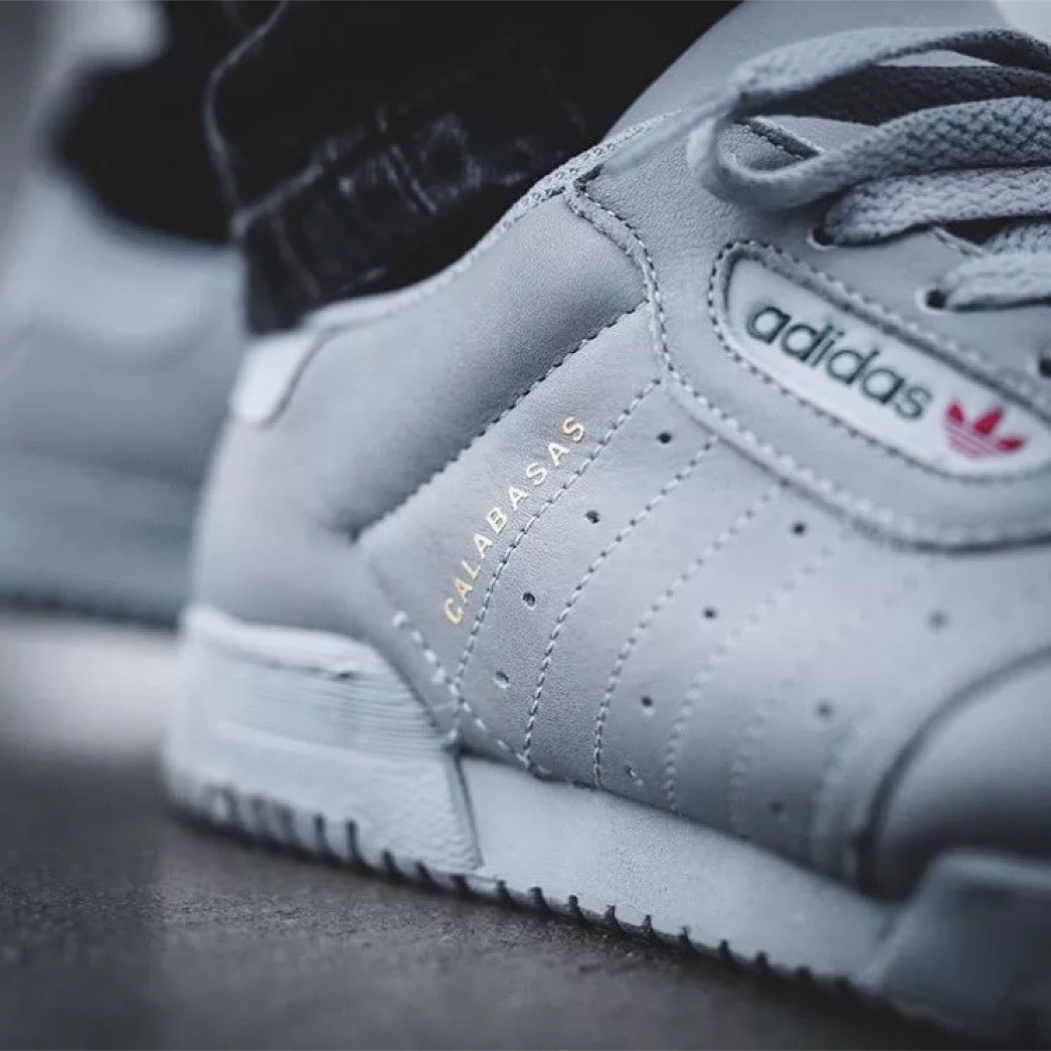 sports shoes 64f99 fc8e0 Adidas Yeezy Powerphase Calabasas   Grey   Size 9